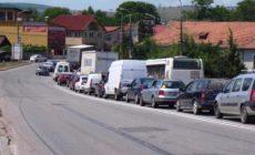 Demența birocratică paralizează zilnic zeci de mii de oameni la una dintre porțile Clujului